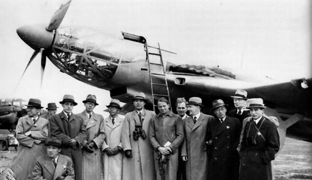 Heinkel He 119 V2 with the Japanese Naval delegation.