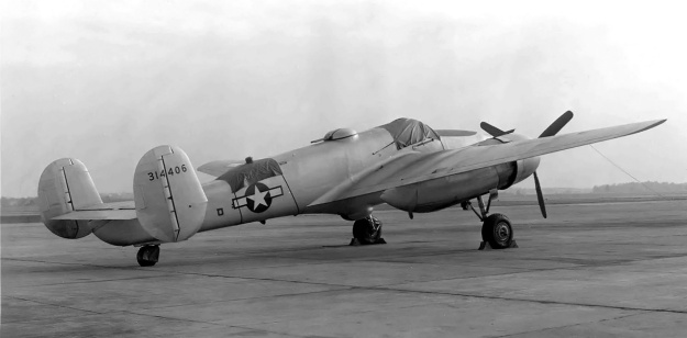 Beech XA-38 Grizzly 06
