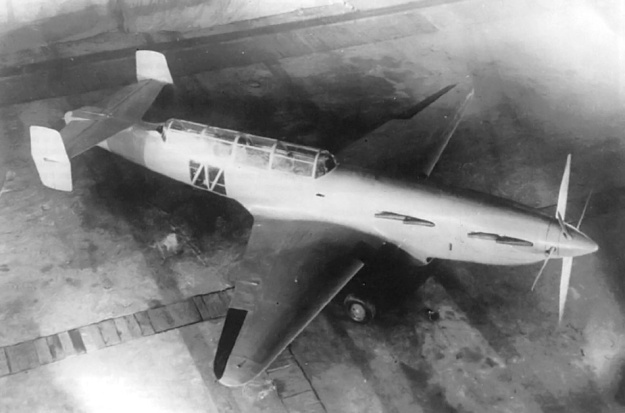 A good view of the twin engine Bolkhovitinov Sparka. Note the plexiglass glazing for the bombardier's downward view.