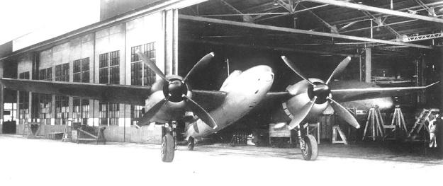 Mitsubishi Ki-83 hangar