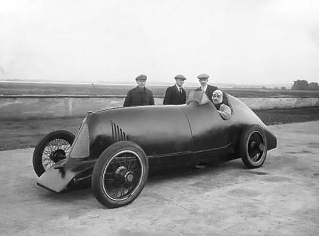 djelmo land speed record car old machine press
