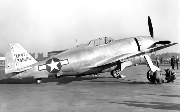 Republic XP-47J right