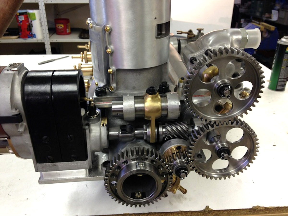 Old Engine Gears : Roberts motor company aircraft engines old machine press