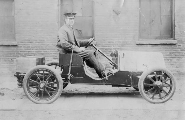 Christie 1903 Auto side