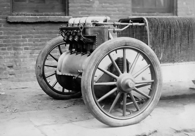 Christie 1904 racer engine