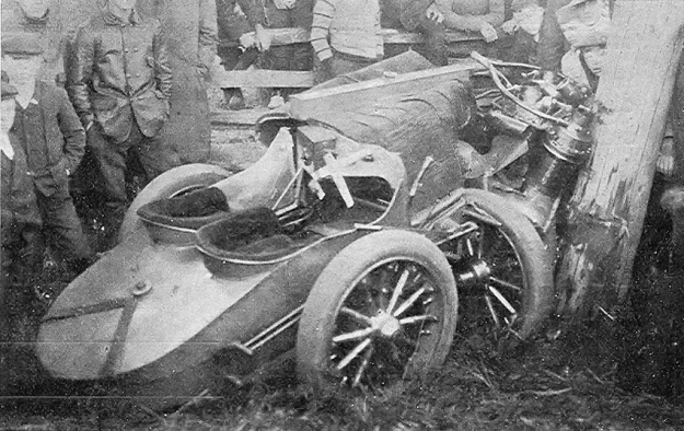 Christie 1906 V-4 crash Vanderbilt