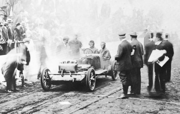 Christie 1906 Vanderbilt start