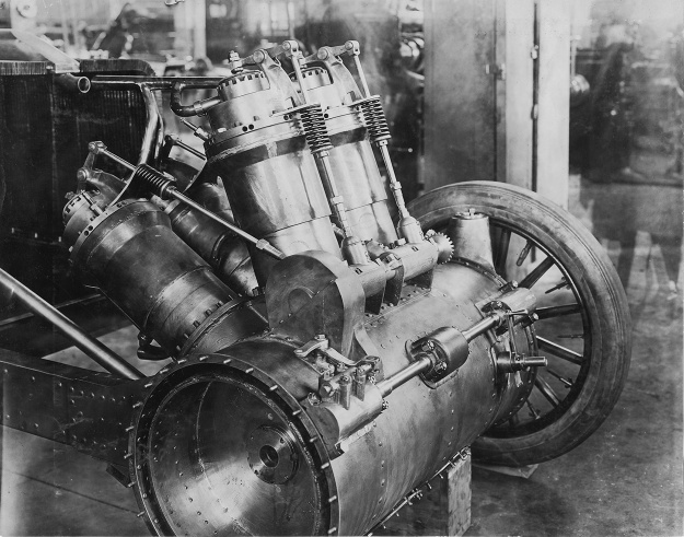 Christie 1907 V-4 engine