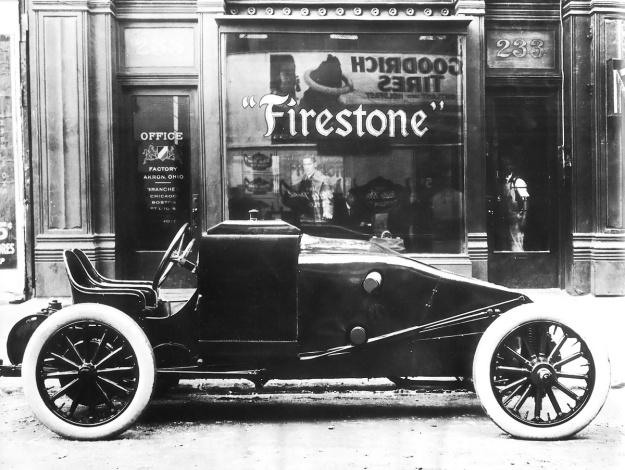 Christie 1909 V-4 racer Firestone