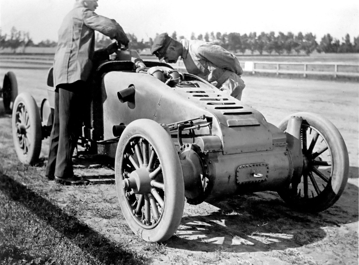 curieux montage - Page 3 Christie-1909-v-4-racer