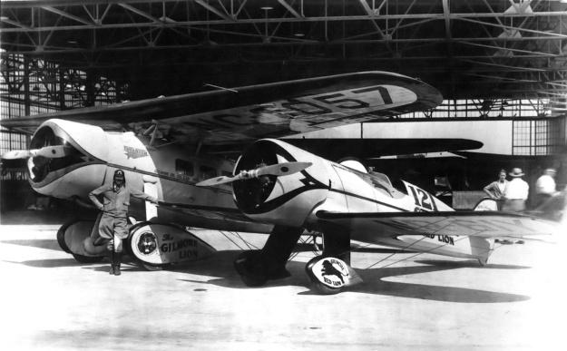 Roscoe Turner Gilmore Lockheed W-W 44 1932