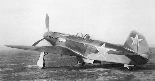 Yak-3 VK-108 rear