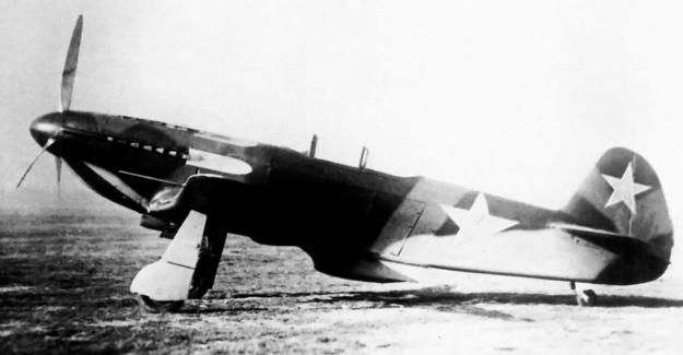 Yak-3 VK-108 side