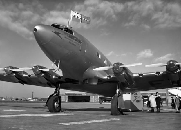 de Havilland DH91 Forbisher front