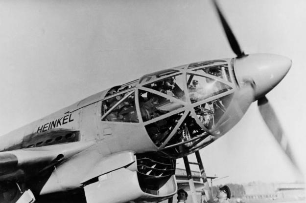Heinkel He 119 nose radiator