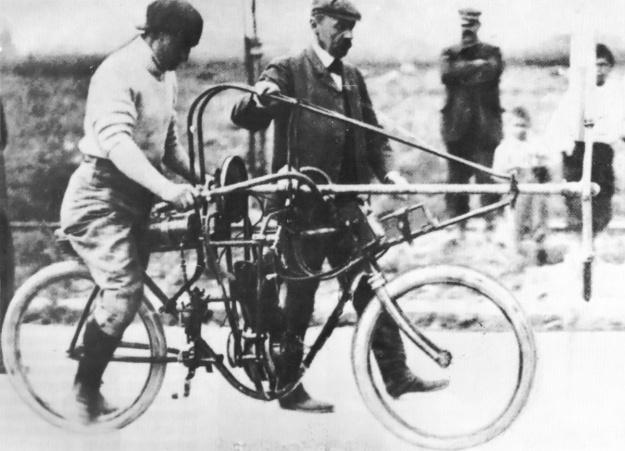 Aéro-motocyclette Archdeacon Anzani run