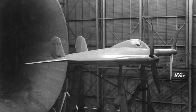vought-v-173-wind-tunnel-side