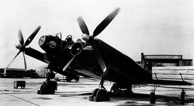 vought-xf5u-with-f4u-4-props