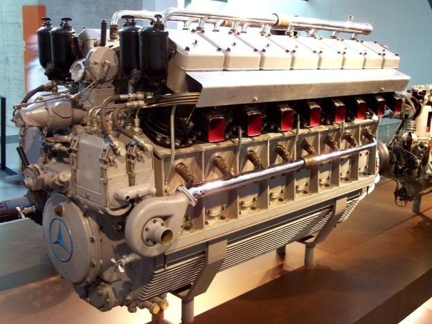 Daimler-Benz DB 602 (LOF-6) V-16 Diesel Airship Engine | Old Machine