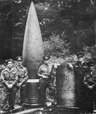 Schwerer Gustav captured shell