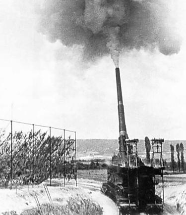 Schwerer Gustav firing