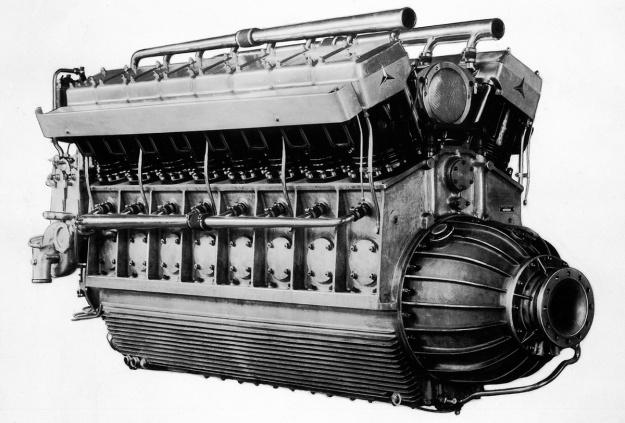 Daimler-Benz LOF-6 DB602 V-16 diesel engine
