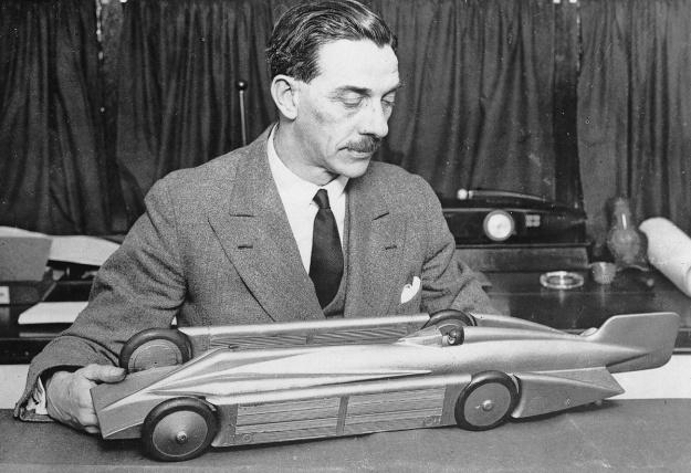 Irving-Napier Golden Arrow model