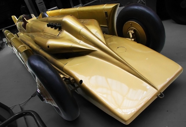 Irving-Napier Golden Arrow museum