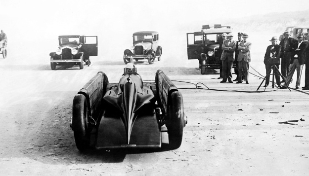 Irving-Napier Golden Arrow Segrave front