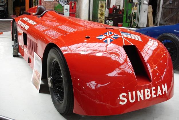 Sunbeam 1000 hp Mystery Slug display