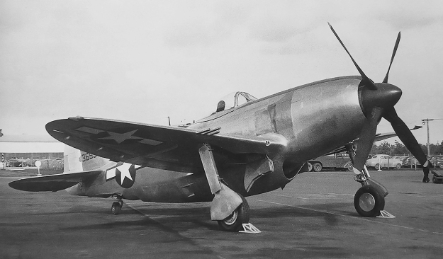 Republic XP-72 No 1 right front