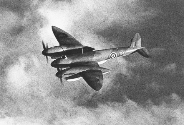 Vickers Type 432 in flight