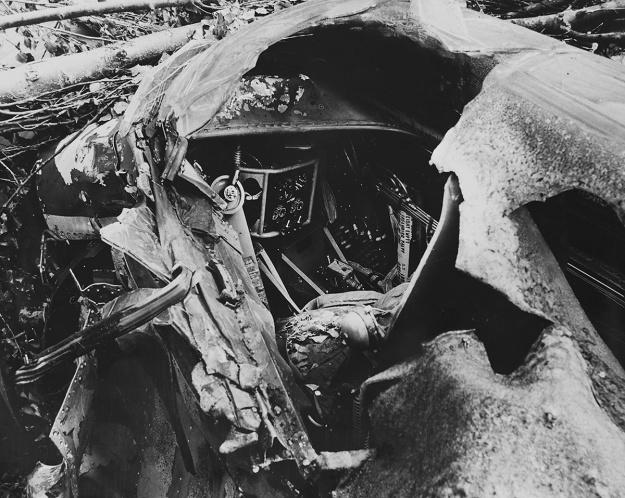 Hughes XF-11 no1 cockpit crash