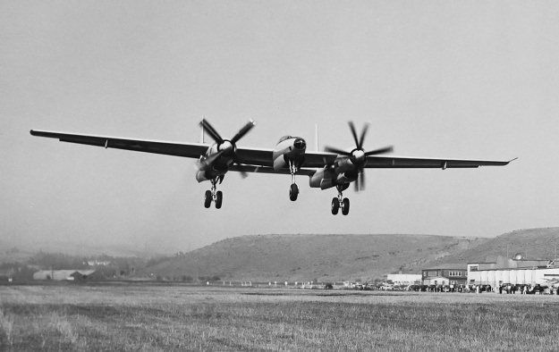 Hughes XF-11 no1 first flight