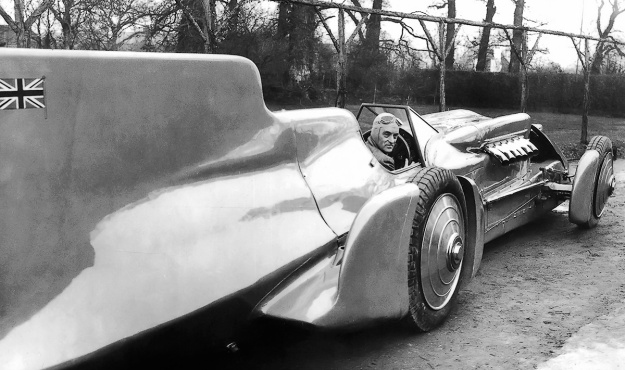 Campbell-Railton-R-R 1933 rear
