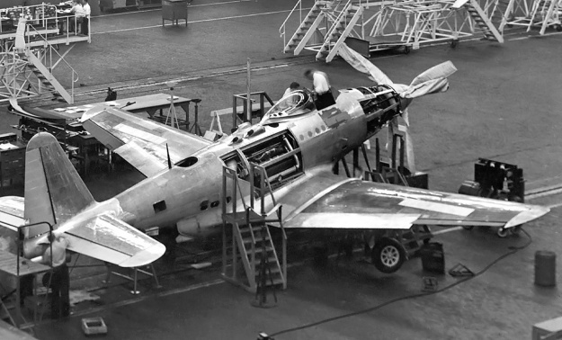 Fisher XP-75A assembly