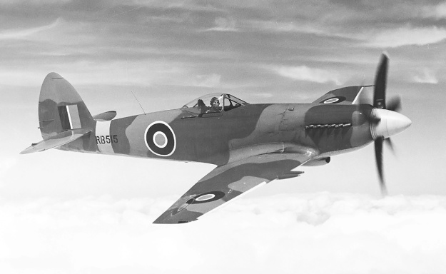 Supermarine Spiteful RB515 in flight