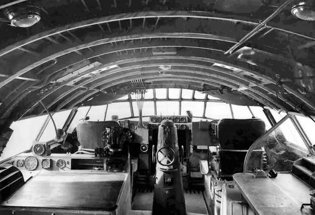 Latecoere 631 cockpit