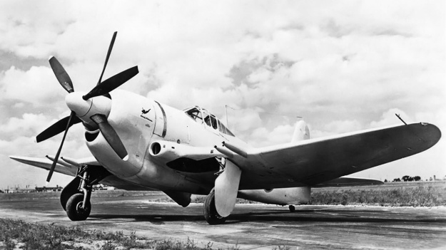 Curtiss-XF14C-2-front-left