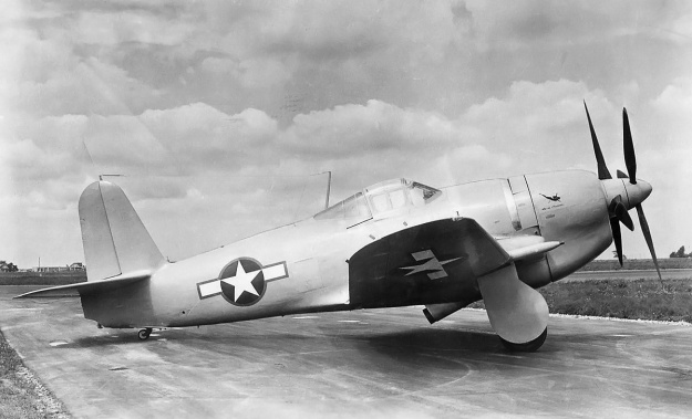 Curtiss-XF14C-2-right-side