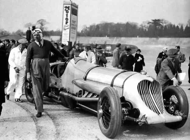 Napier-Railton-Brooklands-grille