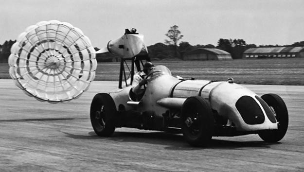 Napier-Railton-parachute-test