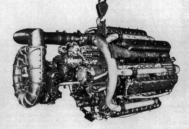Alfa-Romeo-1101-supercharger-rear