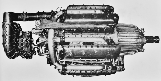 Alfa-Romeo-1101-supercharger-side