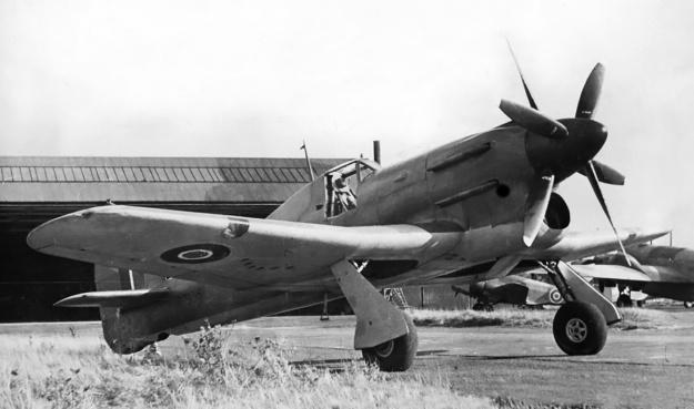 Hawker-Tornado-CR-props