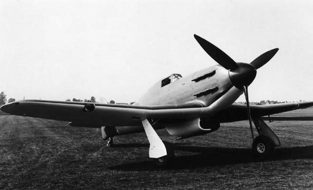 Hawker-Tornado-P5219-front
