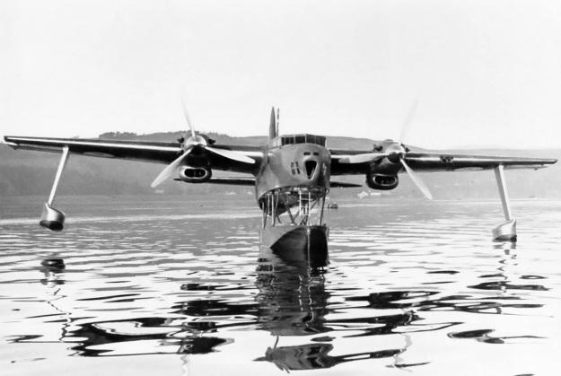 Blackburn-B20-front-water