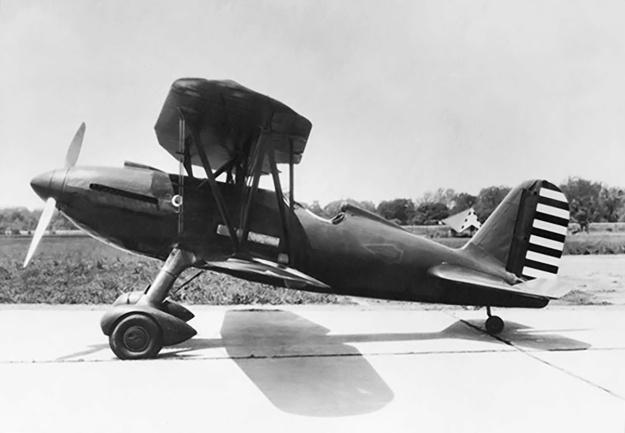 Curtiss-YP-23-left-no-radiator