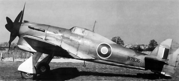 Hawker-Tornado-R7936-DH-cr-props