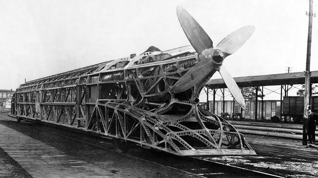Rail-Zeppelin-no-body-30-08-1930